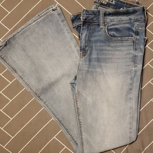 American Eagle High Rise Flare Jeans size 4 short